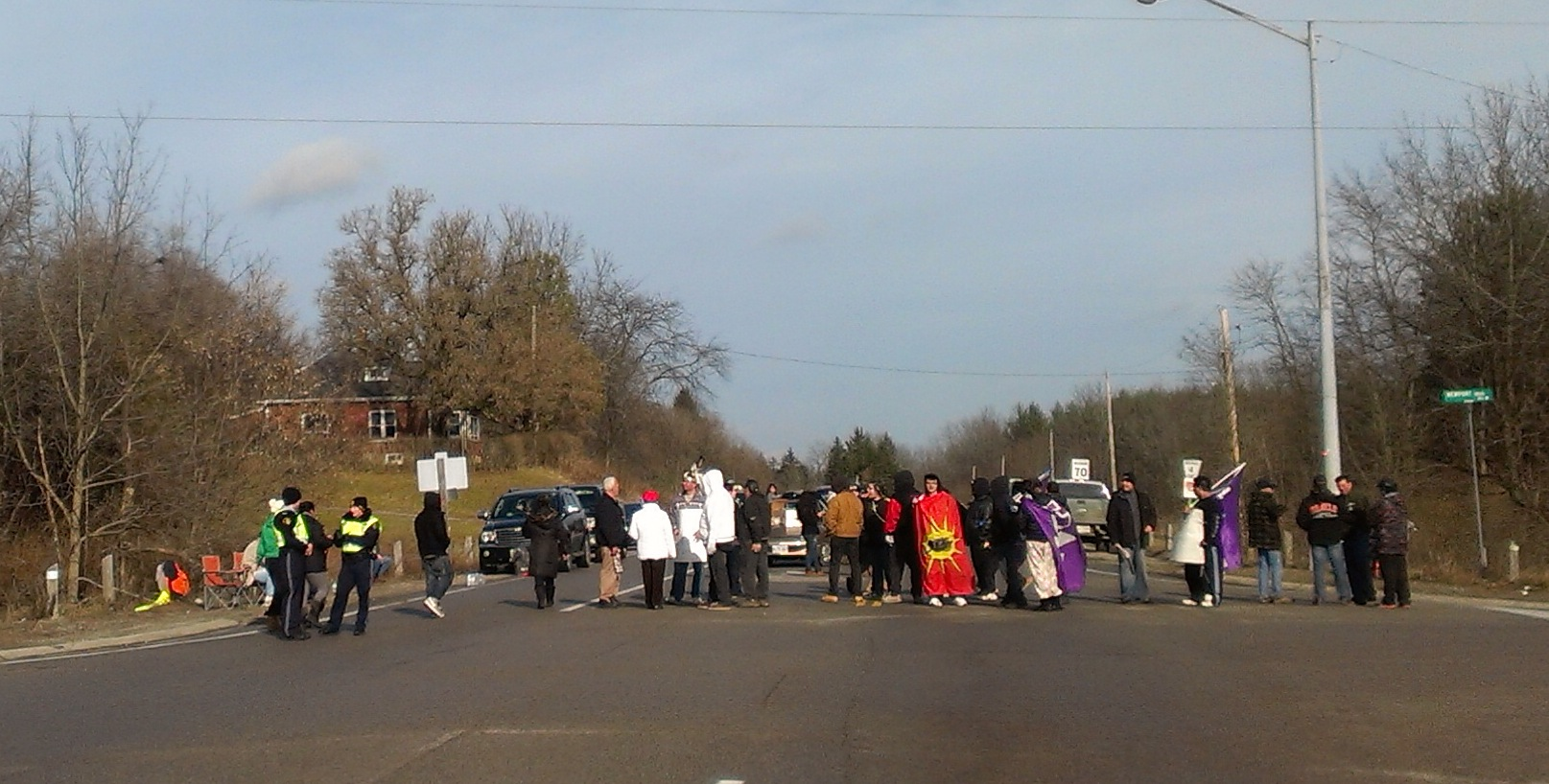 Protest on Cockshutt Rd by Six Nations
